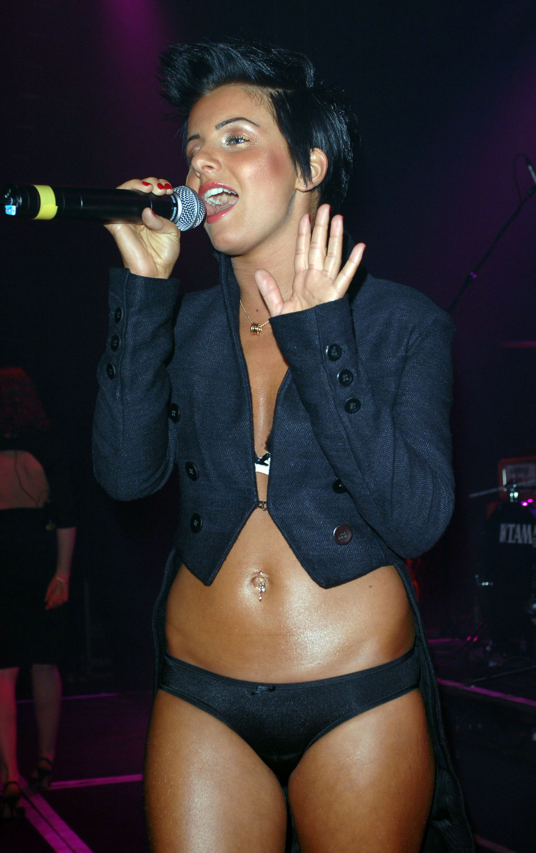 Tatu Perform at G-A-Y in London 28.01.2006